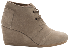 10006257-FH15-TAUPE-SUEDE-WM-DSWDG-BOOT-DESERT-WEDGE-WN-S-1450x1015-COLOR.png
